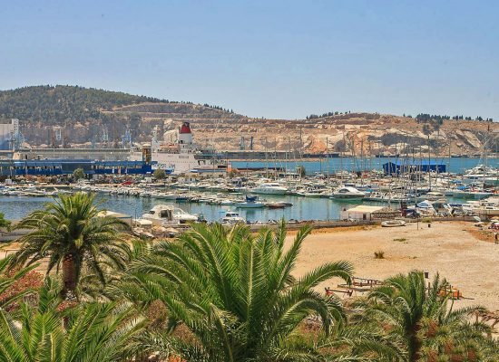 2.bar-marina-city-beach